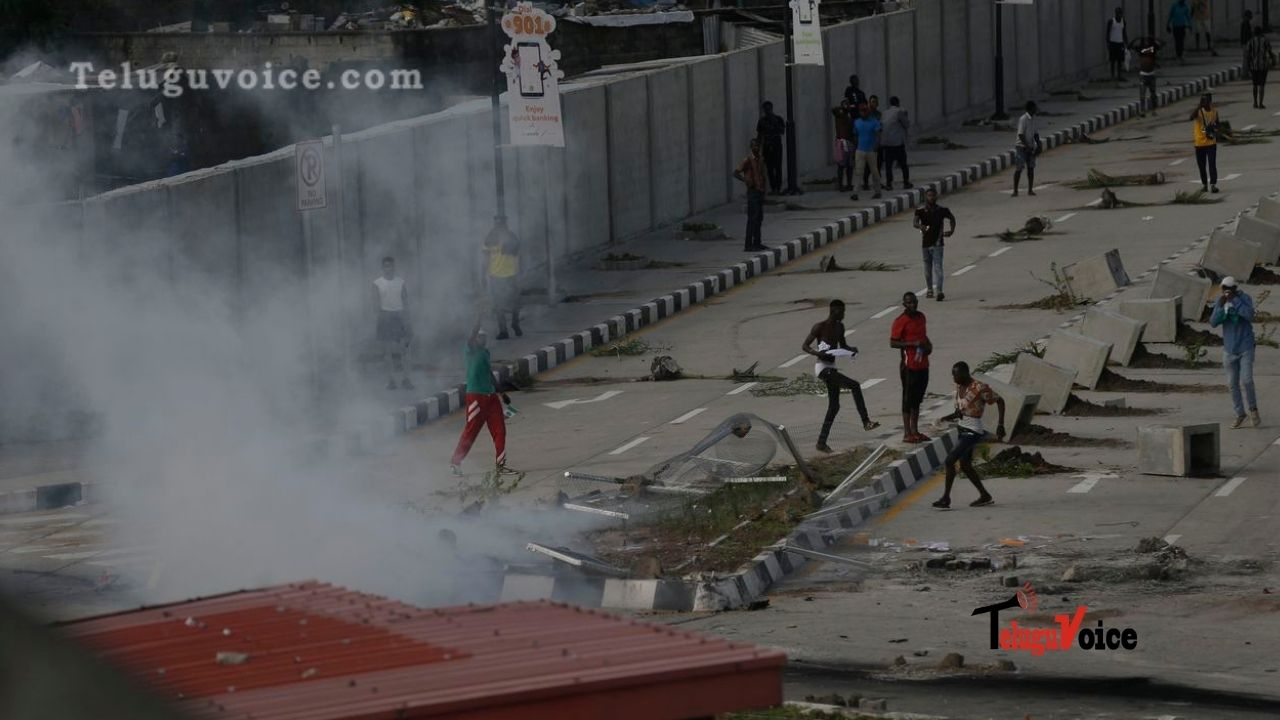 Nigeria Protesters Break Curfew Amid Gunfire, Demand Dissolution Of SARS teluguvoice