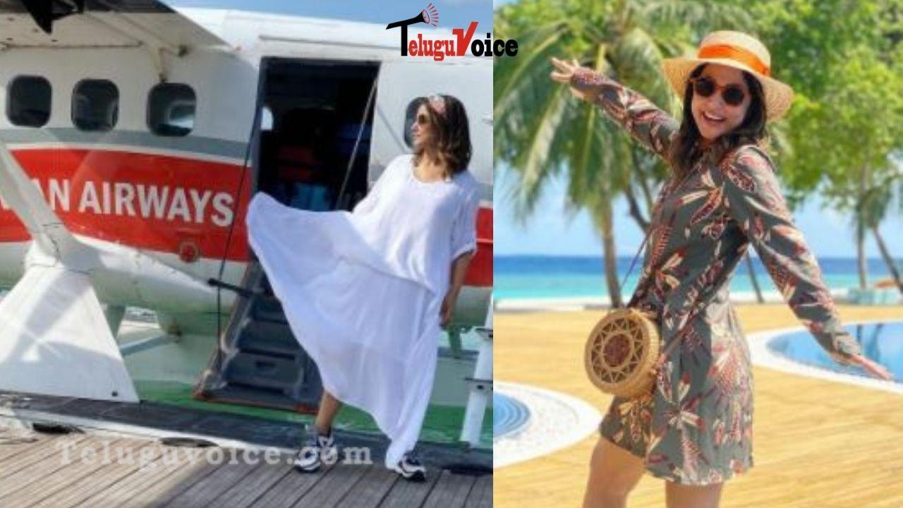 Pic Talk: Hina Khan In Maldives With Family teluguvoice